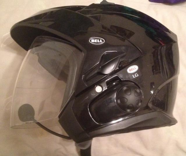 Click image for larger version  Name:helmet1.jpg Views:22 Size:36.1 KB ID:13114
